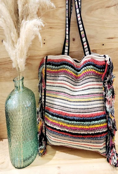 Multicolored woven shopping bag with fringesdim 44*2*38cm