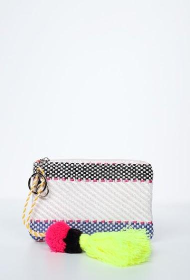 Little straw bag with shoulder strap