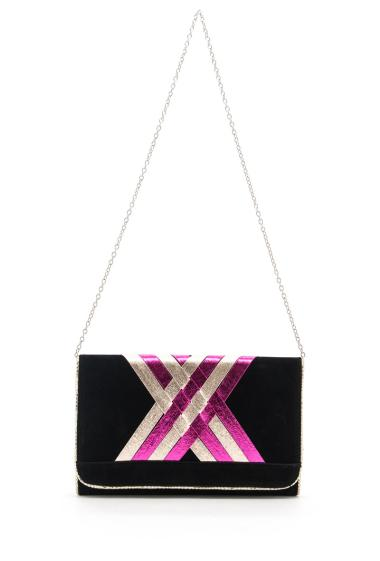 Chic clutch bag with flap, fancy border, inside with compartments, zipped pocket, possibility to wear with removable chain. (Length x Width x Hight: 34x4x22 cm)