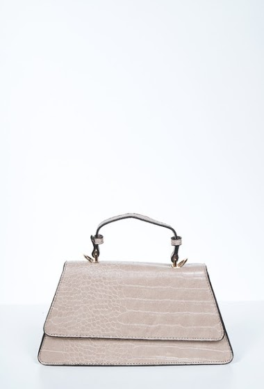 Bag with geometric shape, long chain for shoulder strap, 27x6.5x13cm