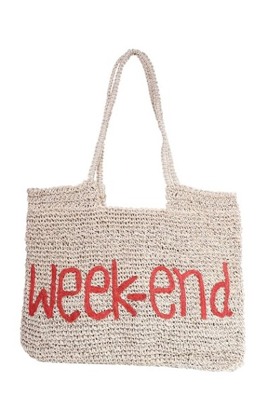 Embroidered burlap bag Carried on the shoulder and zipper. The sizes of the bags can vary from one model to another. dimensions: 50 * 1 * 39cm