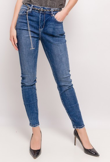 Jeans with chain belt