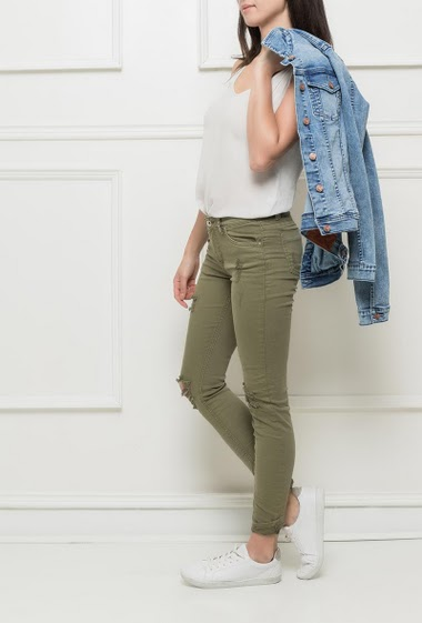 Trousers with ripped knees, skinny fit