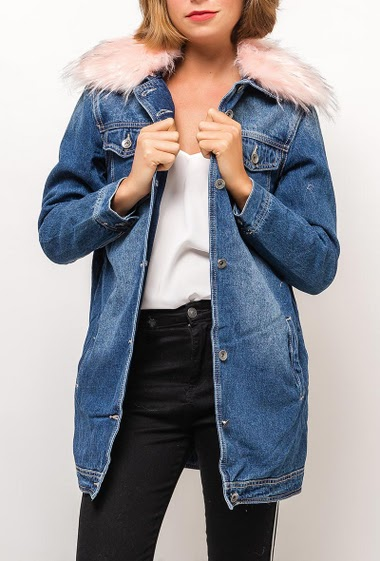 Removable fur collar, fur inner. The model measures 175cm and wears S/M. Length:80cm