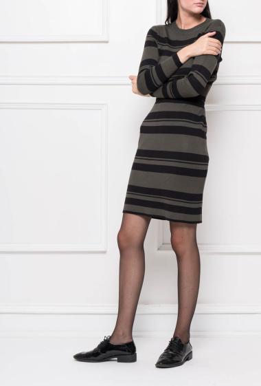 Set with a skirt and top in knit with stripes