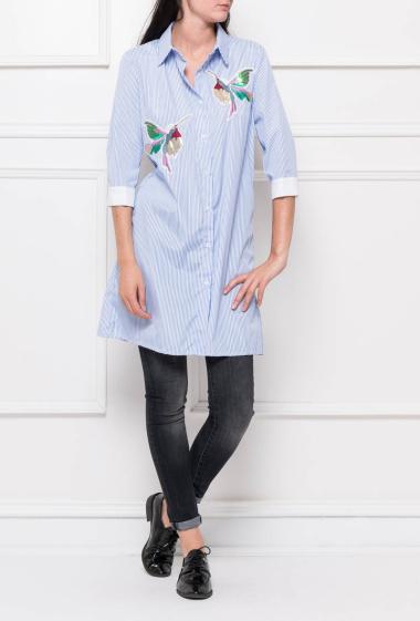Chemise longue boutonnée avec oiseaux en sequins
