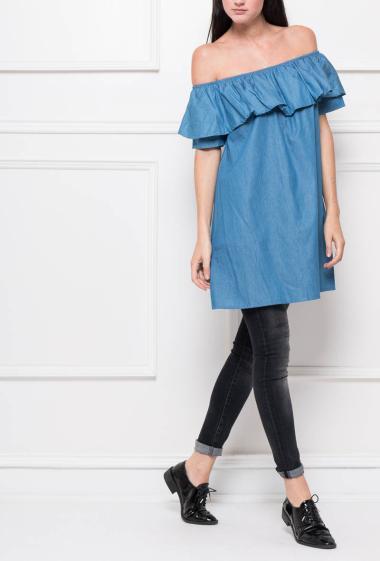 Cold shoulder tunic with ruffles