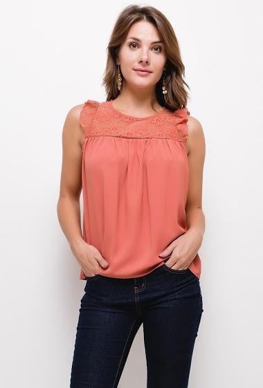 Feminine blouse