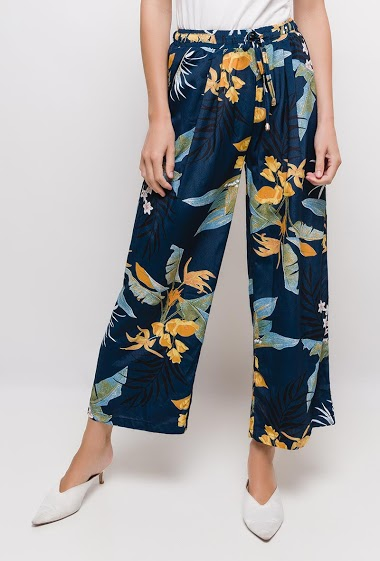 Wide leg pants with printed flowers