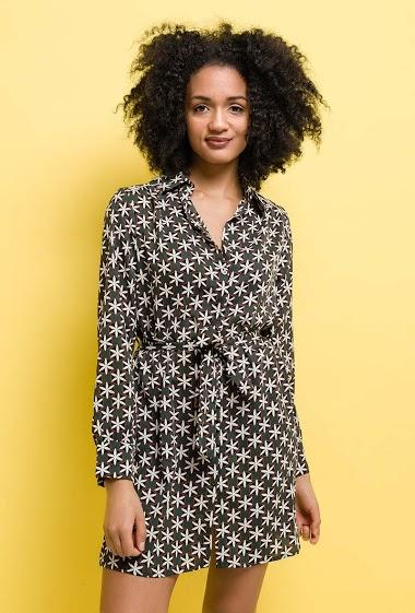 Shirt dress with pattern