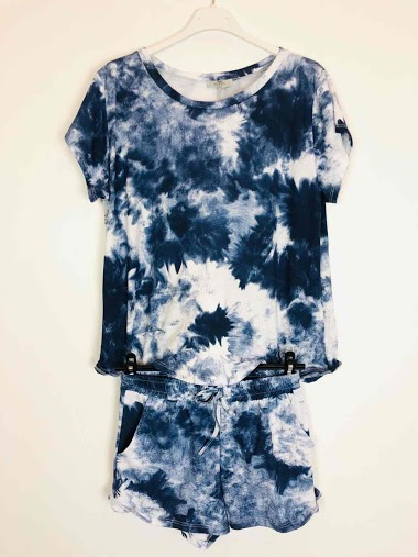 Ensemble tie and dye short et t-shirt