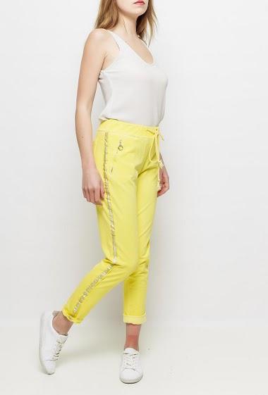 Pantalon en molleton délavé, poches, bande argent sur les côtés, taille élastique, très confortable - TU correspond à T38/40