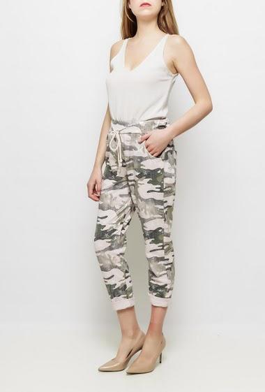 Pantalon décontracté en molleton, taille élastique, motifs camouflage, poches, devant enduit de paillettes, étoiles imprimées - TU correspond à T38/40