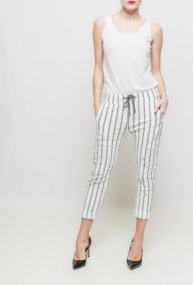 Pantalon à rayures, taille élastique, poches, déchirures - TU correspond à T36-40