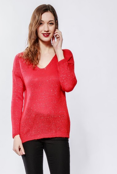 Sweater with lurex, V neck, classic fit. The model measures 177cm, one size corresponds to 38-40
