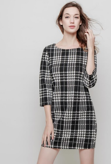 Dress with tartan pattern, regular fit, zip back closure, stretch fabric. The mannequin measures 177 cm and wears S