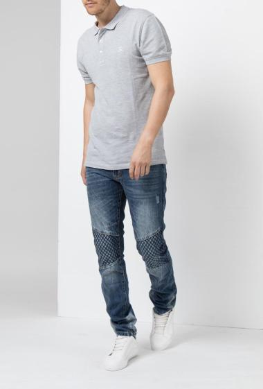 Jeans straight cup, with cut, topstiched yoke on the knees - Madness
