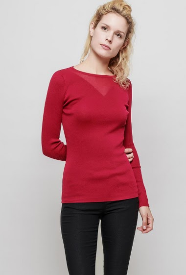 Knitted sweater, round collar, ribbed long sleeves, close fit. The mannequin measures 177 cm, TU corresponds to 38