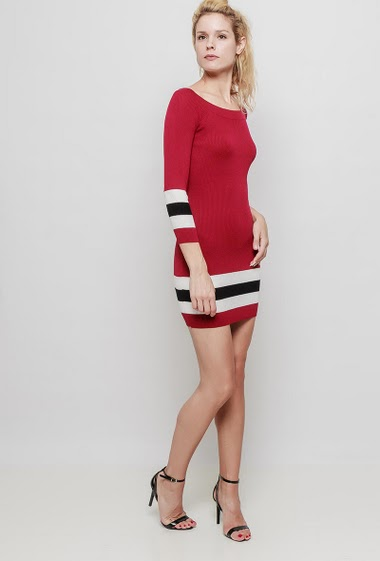 Knitted mini dress or tunic, long sleeves, striped border, boat neck, close fit. The mannequin measures 177 cm, TU corresponds to 38