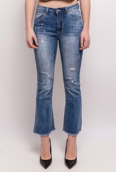 The model measures 165cm and wears S/8(UK) 36(FR)