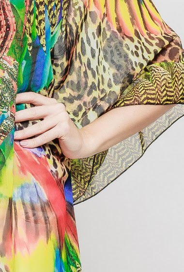 Tunique légère et transparente, col avec lacet, manches chauves-souris, strass fantaisie, coupe ample - TU correspond à T38-42