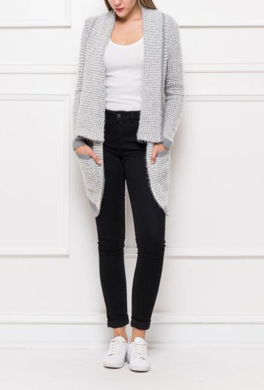 Open cardigan in soft and bicolour knit, pockets