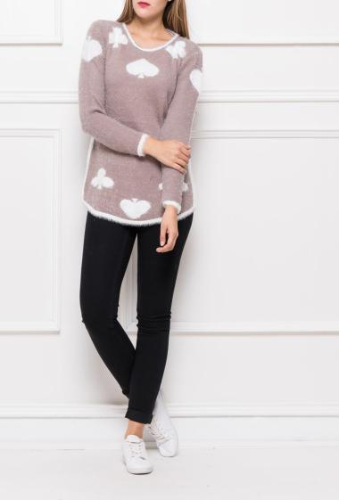 Soft pullover in fluffy knit, contrasting border