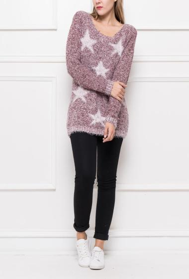 Pull in soft knit with contrasting stars