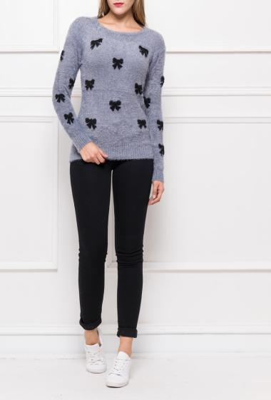 Bicolour pullover in soft knit with pattern
