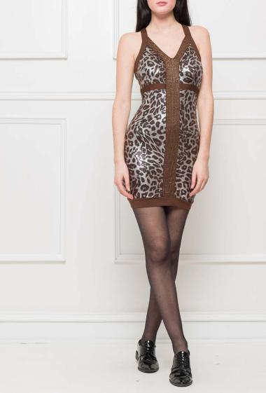 Sleeveless dress with leopard pattern, strass on the front, zip on the side, close fit