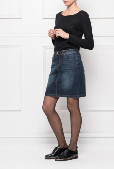 Straight skirt with pockets, slit on the back