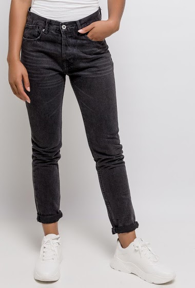 Pants with button closure