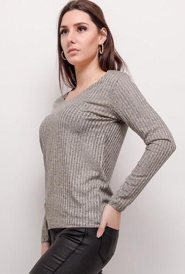 T-shirt à manches longues. La mannequin mesure 175cm, TU correspond à 38/40. Longueur:70cm