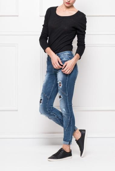 Jeans with fancy cuts, rips with printed yokes, slim ft