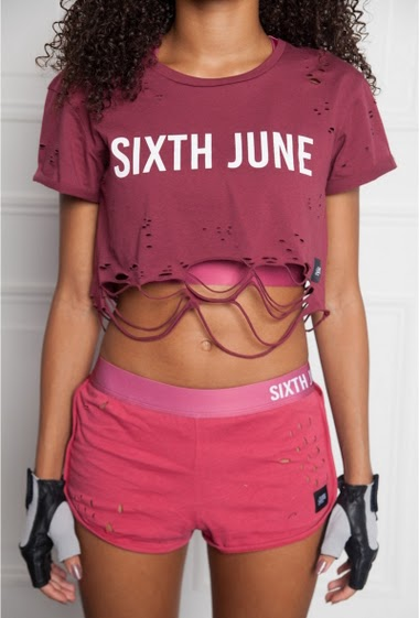 Short burgundy Sixth June Women. Activewear Collection. Destroyed effect. Sixth June writing on the elastic.
