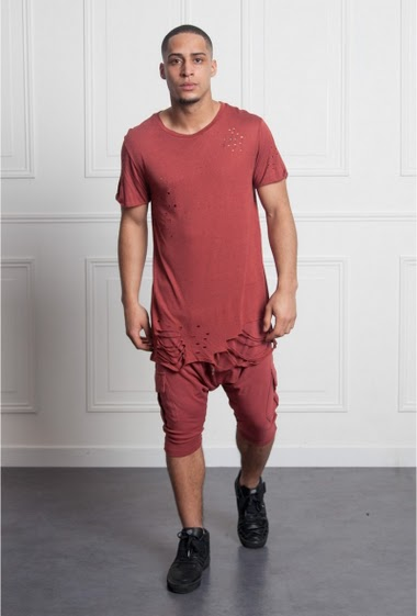 T-shirt flecked burgundy Sixth June Men. Destroyed effect. Oversized cut.