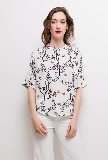 Printed blouse, 3/4 sleeves. The model measures 177cm and wears S. Length:70cm(back)