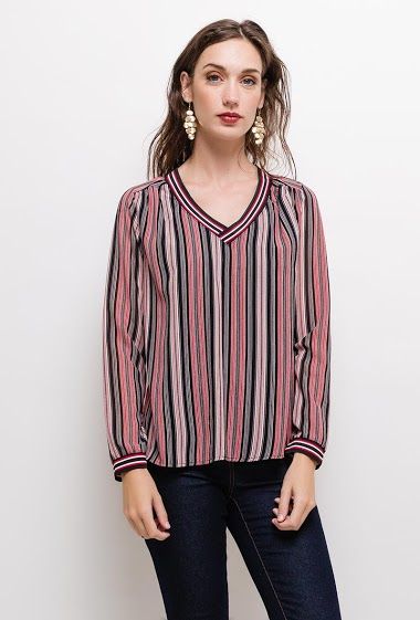 Blouse with V neck, front with lining. The model measures 177cm and wears S. Length:60cm