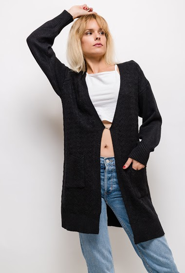 The model measures 177cm and wears S. Length:65cm
