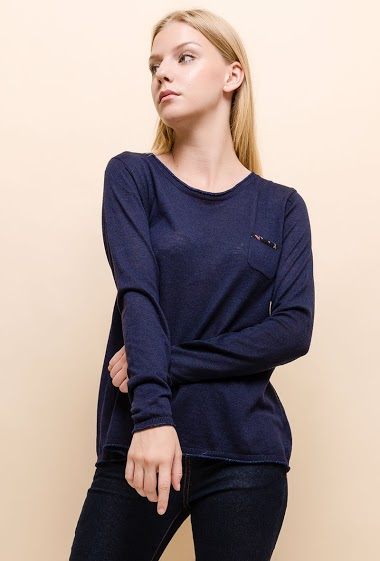 Fine knit sweater, embroidery
