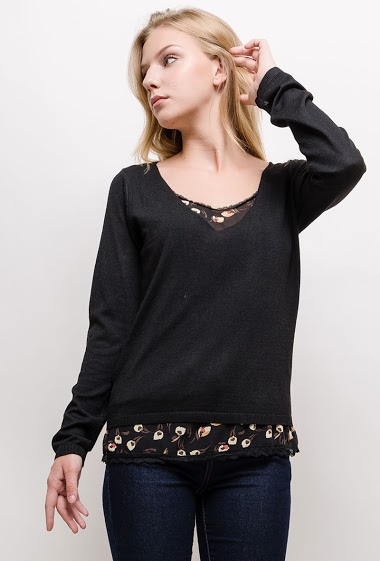 Fine sweater. The model measures 170cm and wears S. Length:65cm