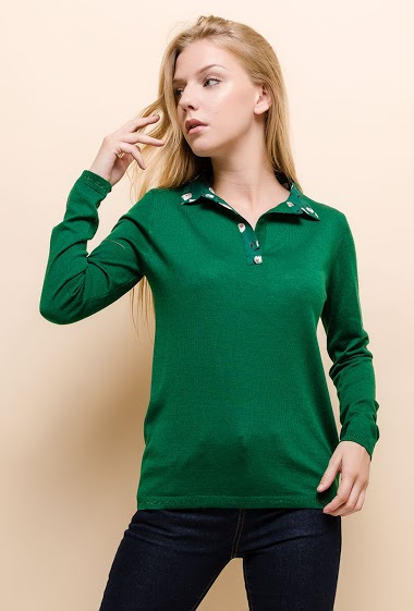 Sweater with printed collar, punto fino. The model measures 170cm and wears S. Length:60cm