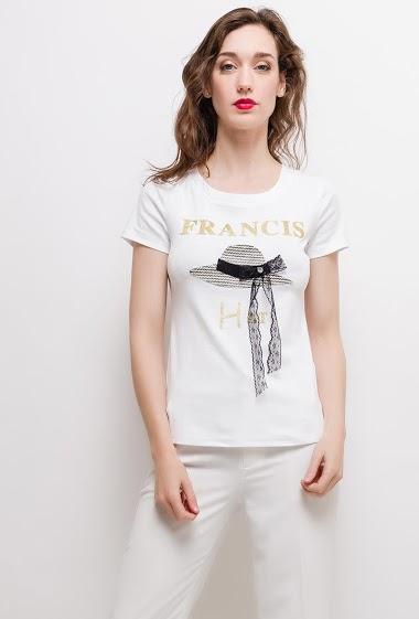 T-shirt à manches courtes,, chapeau imprimé. La mannequin mesure 177cm et porte du S. Longueur:60cm