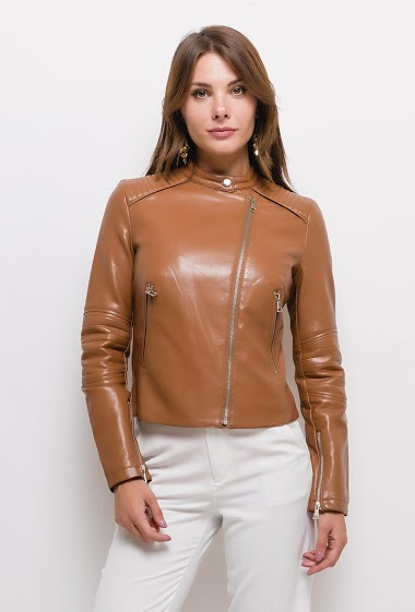 Leatherette jacket,The model measures 175cm and wears S. Length:55cm
