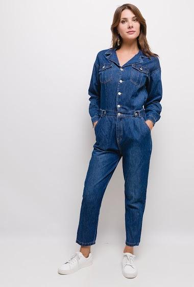 Combinaison en jean,La mannequin mesure 175cm et porte du M. Longueur:140cm