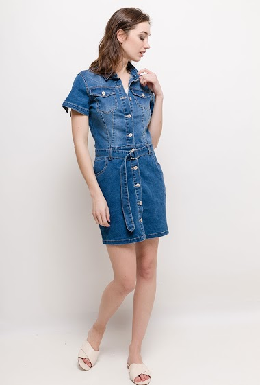 Short sleeve dress, belt. The model measures 177cm and wears S. Length:90cm