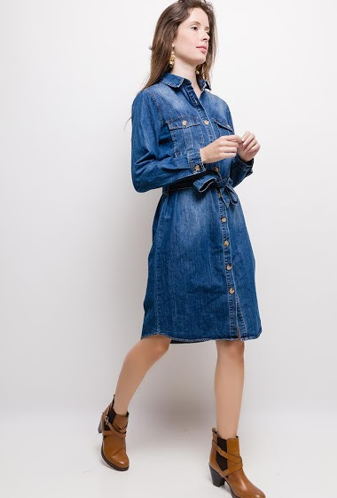 Shirt dress, button closure, long sleeves. The model measures 176cm and wears S. Length:110cm