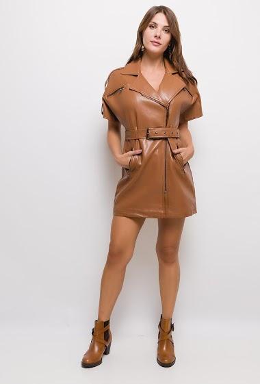 Robe en similicuir zippée,La mannequin mesure 175cm et porte du S. Longueur:85cm
