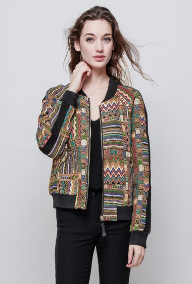 Jacket decorated with embroideries, zipped pockets, casual fit. The mannequin measures 177 cm and wears S