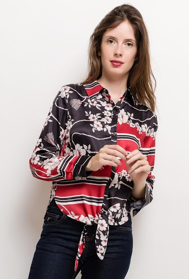 Knot shirt, printed flowers, silky fabric. The model measures 176cm and wears S. Length:60cm